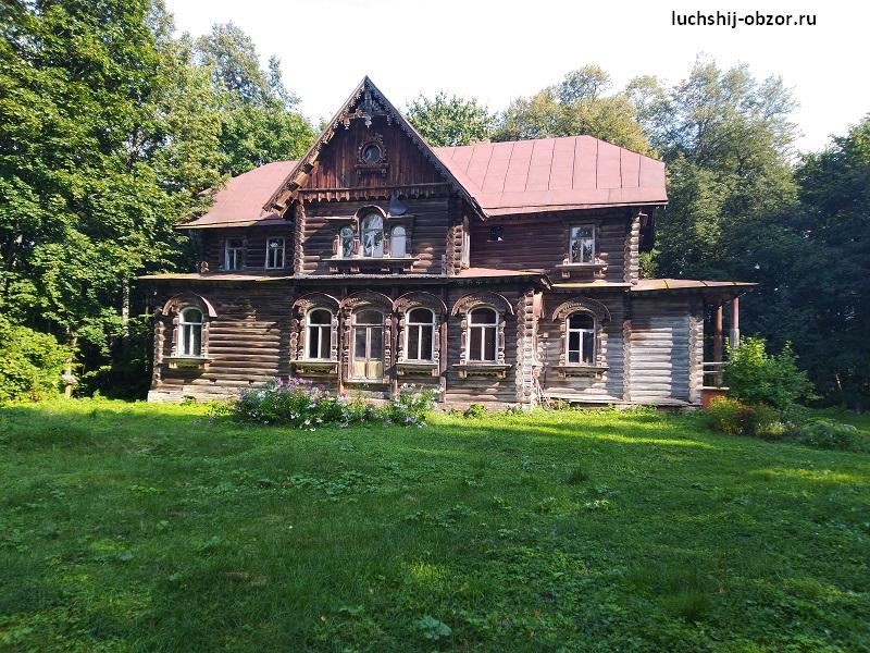 Один из домов усадьбы Левашовых